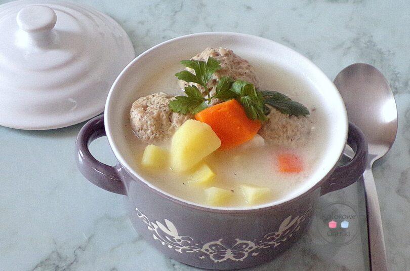 Zupa klopsowa – sprawdzony przepis