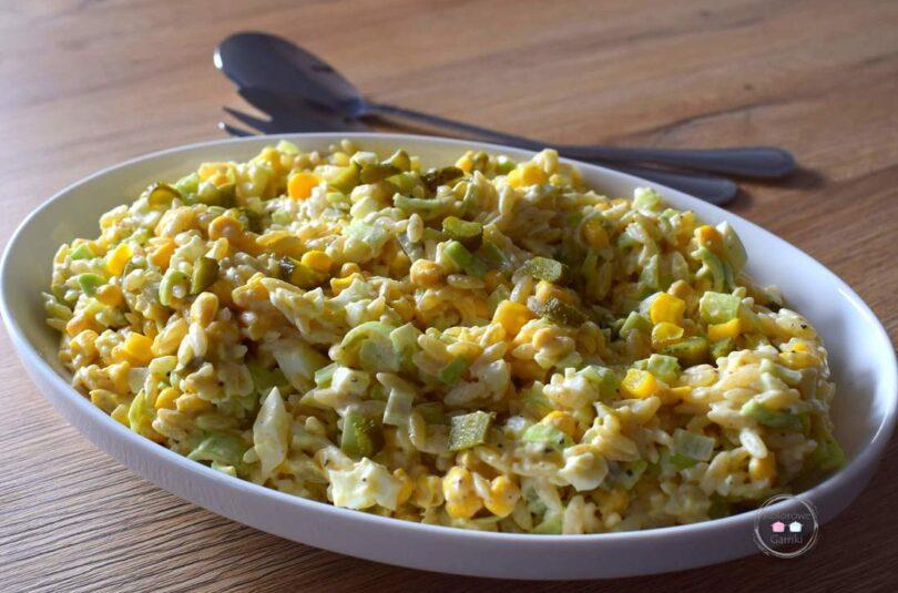 Sałatka jajeczna z porem i kukurydzą