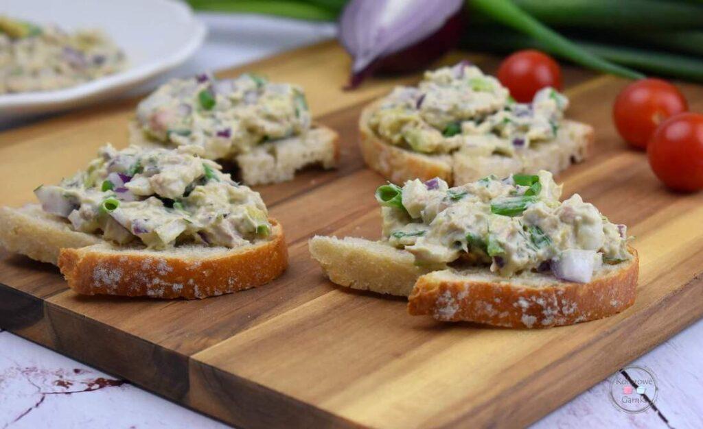 sałatka kanapkowa z tuńczykiem